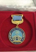 Также профессороу Оспанову О.Б. была вручена юбилейная медаль «Астана медицина университеті – 50 жыл»